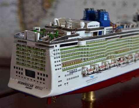 epic boats ceo 18 quot long model of the norwegian epic cruise ship