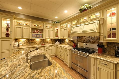 Heritage White Kitchen Cabinets   RTA Kitchen Cabinets