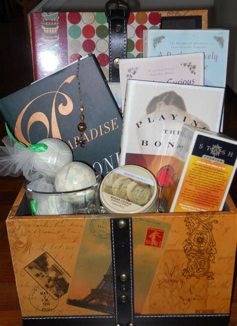 what is d best gift to gift d husband on anniversary gift basket for book gift ideas book and gift
