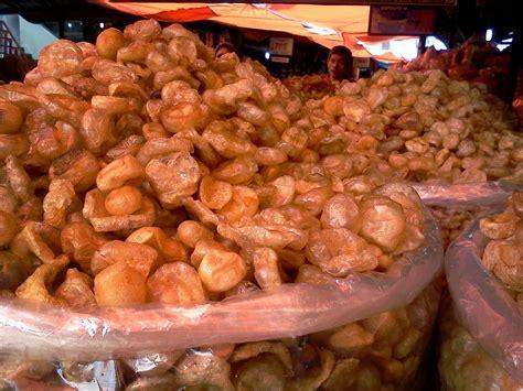 Kerupuk Mentah Jangek Potong oleh oleh kue tradisional khas sumatera barat