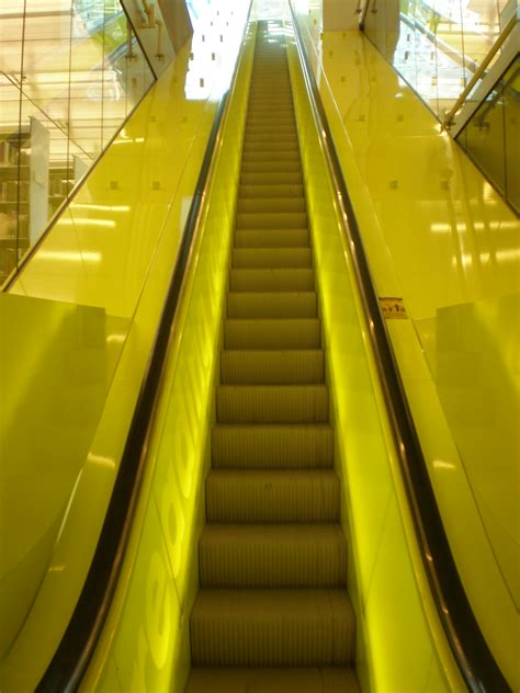 File:Escalator, Seattle Central Library Wikimedia Commons