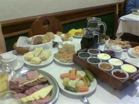 file brazilian breakfast buffet jpg wikimedia commons