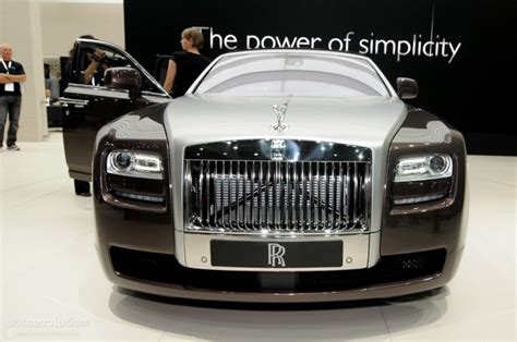 roll royce chinese china rolls royce ghost priced at 585 000 autoevolution