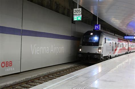 zubringer flughafen austrian verlegt defizit 228 re zubringer auf die schiene