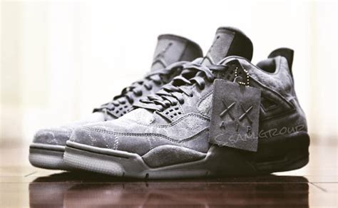 Sepatu Basket Air 4 X Kaws Gray kaws air 4 cool grey suede 930155 003 sneaker bar