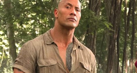 jumanji film hero dwayne johnson jumanji cinemacon trailer footage