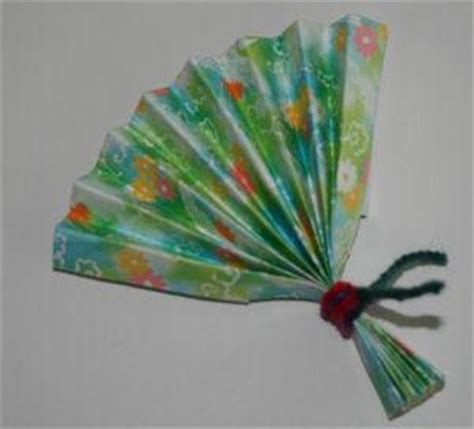 Japanese Paper Fan Craft - japan crafts for