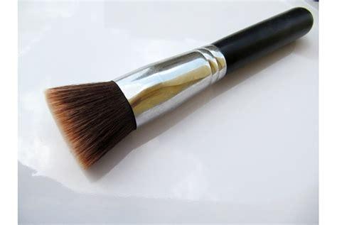 Kuas Lipstick Lipstik 3 Fungsi kriteria fungsi dan perbedaan 6 jenis kuas foundation