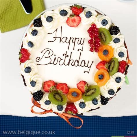 Decoration Genoise Aux Fruits by Fruit Decorations On Cake Cake Decorations