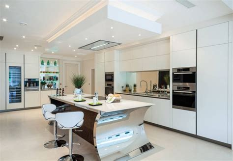 photo cuisine equipee moderne maison design bahbe com