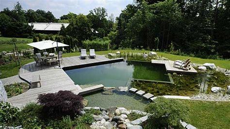 Schwimmteich Selber Bauen So Sparen Heimwerker Kosten Gartengestaltung Whirlpool Im Garten L