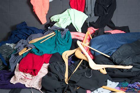 kleiderschrank ausmisten kleiderschrank ausmisten und geld verdienen