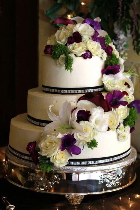 buttercream decorated wedding cakes   Exquisite Cookies: 3