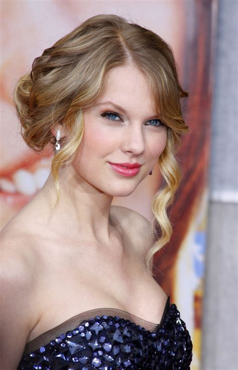 taylor swift romantic curls updo hairstyle