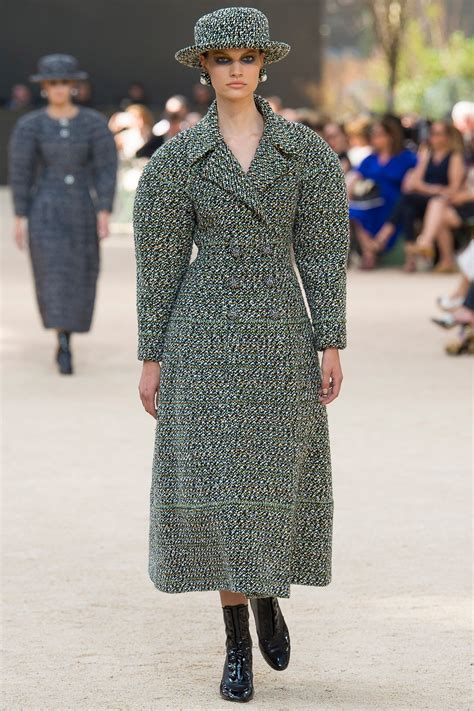 chanel fall  couture collection vogue