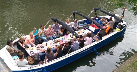 party boat utrecht bbq boot in utrecht bbqboot