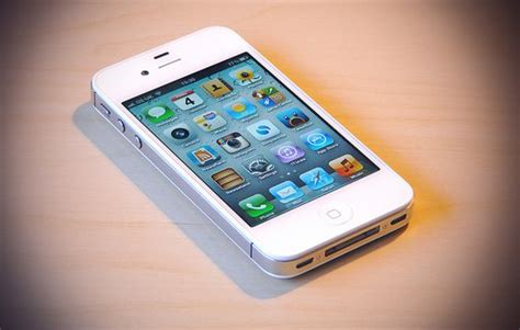 Jual Iphone 4s 16gb White B U apple confirms the iphone uses corning glass
