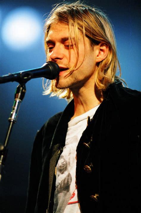 kurt cobain full biography kurt cobain style cobain s famous grunge looks