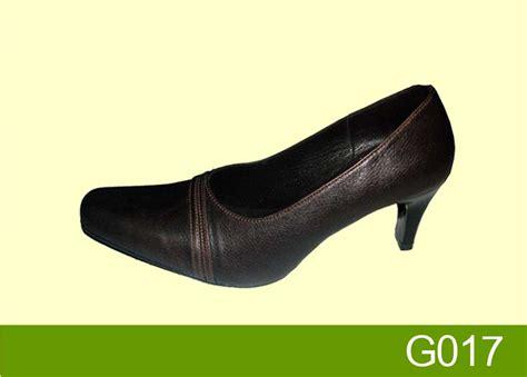Sepatu Pantofel Bata Wanita 301 moved permanently