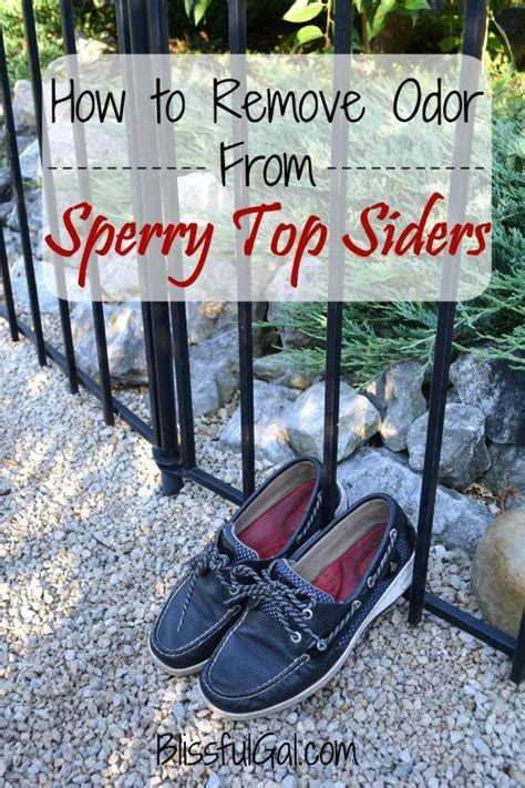 How To Find A Date Without A Shoe by Best 25 Cleaning Sperrys Ideas On