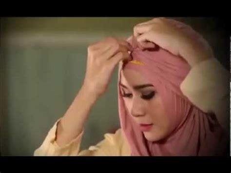 tutorial hijab simple ala zaskia meca tutorial hijab modern simple ala zaskia adya mecca on