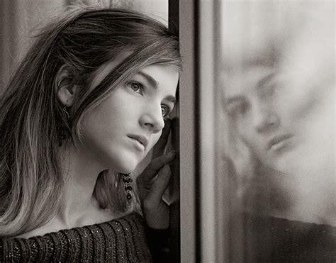 imagenes tristes de una mujer banco de imagenes y fotos gratis imagenes de mujeres