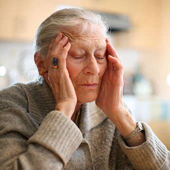 shingles treatment symptoms stages vaccine medications