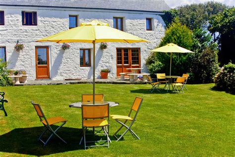 guernsey self catering cottage accommodation at la