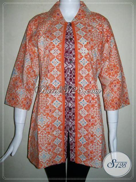 Batik Mutia Maroon Modis busana batik cantik hadir dengan motif modern berpadu dengan warna orange dan merah maroon