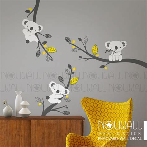 Stickers For Baby Room Walls d 233 calque de mur amovible gris koala bear sur les branches des