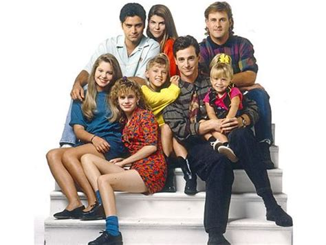 House Tv Cast It S Official Fuller House Coming To Netflix In 2016 Tv