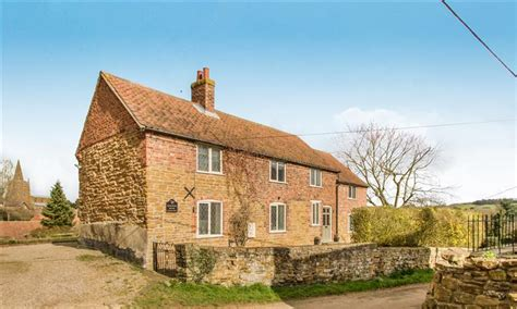 Traditional Cottages For Sale by Traditional Cottages For Sale With Interiors