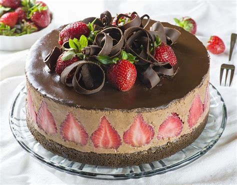 desserts cake strawberry chocolate cake omg chocolate desserts