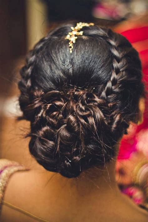 Wedding Hair Buns Indian Style by Hairstyles For Indian Wedding 20 Showy Bridal Hairstyles