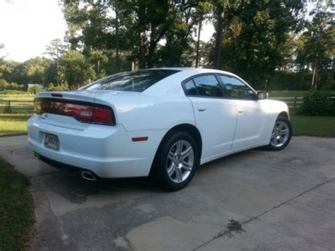 mpg on dodge charger purchase used 2011 dodge charger 3 6 se 32 mpg excellent