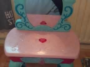 Frozen Vanity Table Great Condition Elsa Disney Frozen Kingdom
