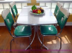 1960 Kitchen Table 1960 S Chrome Dining Table And Chairs Dinette Sets Table And Chairs Dining
