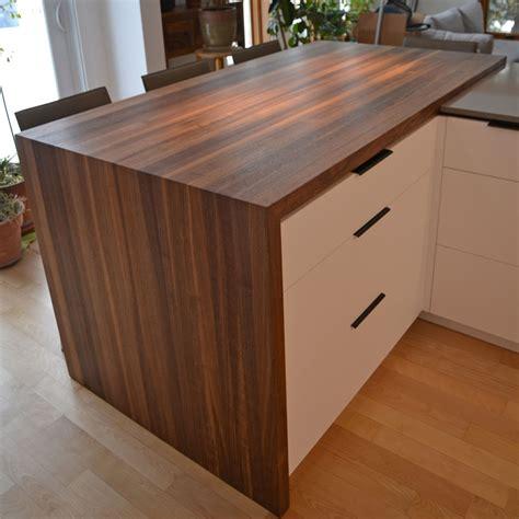 comptoir en bois massif comptoir massif accessoires de cuisine en bois le temps