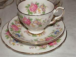 vintage china a very pretty vintage floral tea set kent vintage china