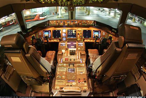 Miniatur Pesawat Emirates Airlines Boeing B777 300er Medium Size boeing 777 31h emirates aviation photo 1042653