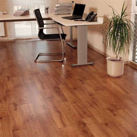 vinyl flooring in uk roma wood vinyl flooring buy roma vinyl flooring onlinecarpets co uk