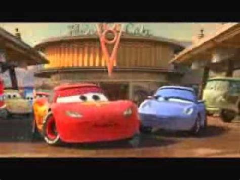 cars sally and lightning mcqueen kiss my reaction to sally kissing lightning on the cheek youtube