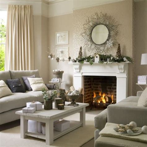 Best 25 Christmas Living Rooms Ideas On Pinterest Decorations Ideas For Living Room 2