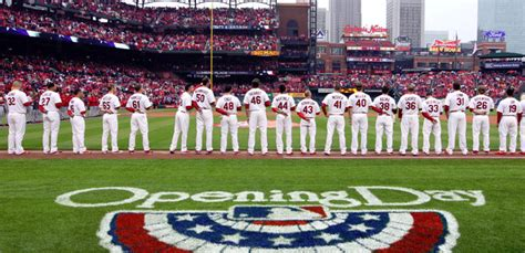 former cardinals talk uniqueness of st louis home opener