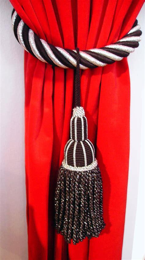vorhang schwarz file schwarz und wei 223 quaste auf rotem vorhang jpg