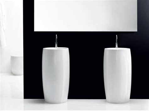 Bien Lavabo Salle De Bain Design #3: vasque-totem-de-salle-de-bain.jpg