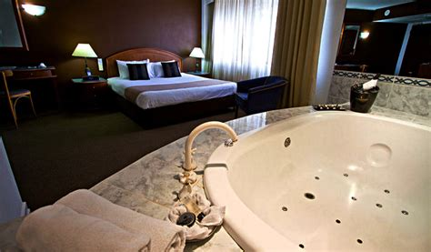 hotels with baths in bedrooms 12 popular brisbane hotels with in room spa baths hotels