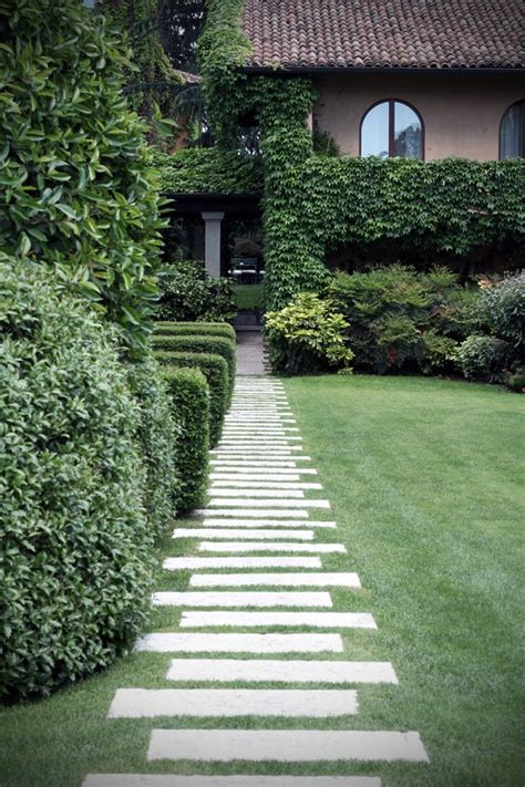 backyard walking paths 25 best garden paths ideas on pinterest pathways
