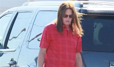 info on bruce jenner transitioning bruce jenner is transitioning into a woman and is