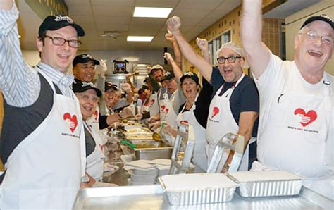 Volunteer Soup Kitchen Dallas Thanksgiving by Choose Your Top 10 Best Things About The Holidays In Nyc